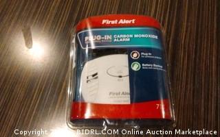 First Alert Plug In carbon Monoxide Alarm