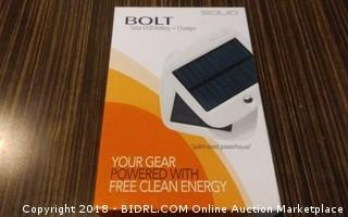 Bolt Solar USB Battery + Charger Powers on