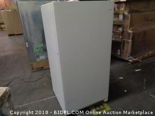 Frigidaire /  Powers on and Cools / dented