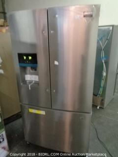 Electrolux (Fridgedaire) Powers on and Cools