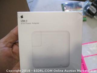 Apple USB-C 61W Power Adapter