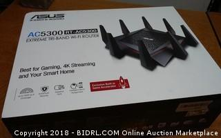 ASUS Extreme Tri Band Wi Fi Router