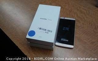 ZTE  7 mini  Powers on