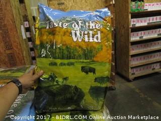 Taste of the Wild Dog Food (Roasted Bison & Roasted Vinson) (Yellow Bag)