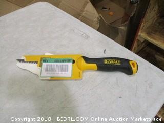 DeWalt serrated utility knife