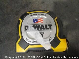 De Walt Measure Tape