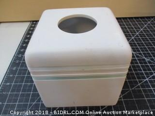 Facial Tissue Dispenser