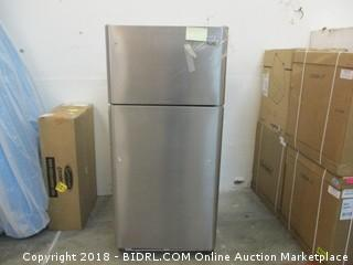 Frigidaire Gallery Refrigerator - Powers On & Cools