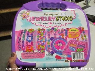 Kids Jewelry Studio