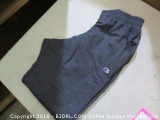 champion sweatpants - size L