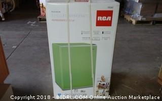 RCA  Refrigerator  3.2 Cu Ft