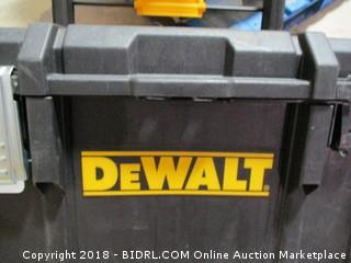 DeWalt / Missing latch and tray
