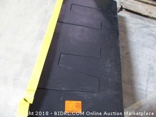 HDX Tote Lid damaged