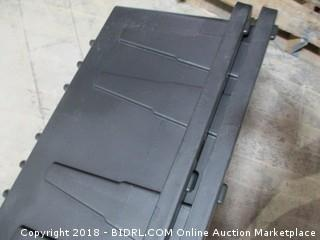 HDX Tough Tote / missing lid / corner damage