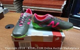 New Balance Furon Shoes 5 1/2