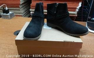 Teva Boots 8.5