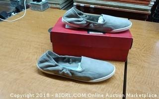 Carlos Shoes 9.5