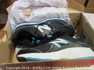New Balance Shoes - Sz 9