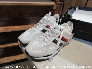 Tommy Hilfiger Shoes - Sz 7M