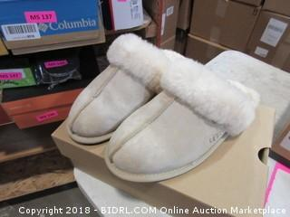 Ugg Shoes - Sz 8