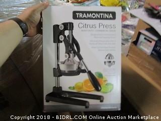 Tramontina Citrus Press