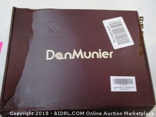 Dan Munier Womens Large