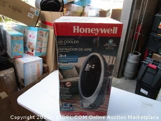 Honeywell Air Cooler  Powers On