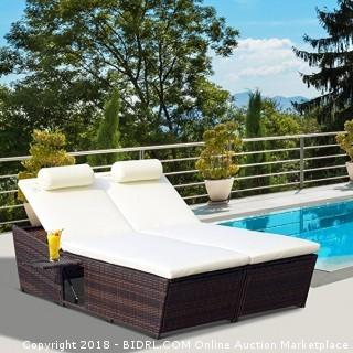 Outsunny Outdoor Rattan Wicker 2-Person Daybed w/ Side Tables - Black (Retail $249.00)