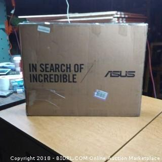 ASUS  Powers On