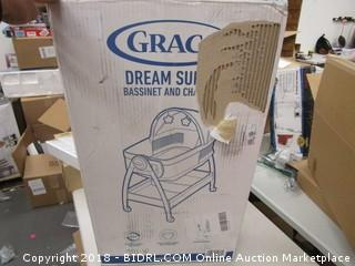 Graco Bassinet and Changer