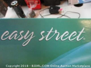 Easy Street Size 7