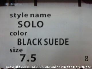 Union Bay Blacksuede Size 7.5