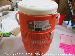 Igloo Beverage Container