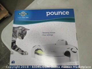 Pounce Rotating Mouse