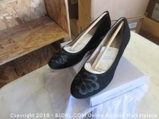 Women's Shoes Size 7.5