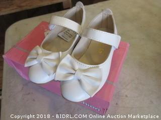 Children's Shoes Size 26