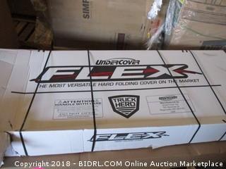 Undercover UX82000 Ultra Flex Hard Folding Truck Bed Cover 2017 Ridgeline 5ft SB (Retail $999.00)