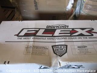 Undercover FX41007 Flex Hard Folding Truck Bed Cover 2007-2017 Tundra 5.5ft Short Bed Crew MAX (Retail $803.00)