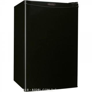Danby Designer DCR044A2BDD Compact Refrigerator, 4.4-Cubic Feet, Black (Retail $182.00)