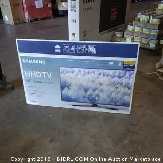 "Samsung UHD TV 40"" Powers On"