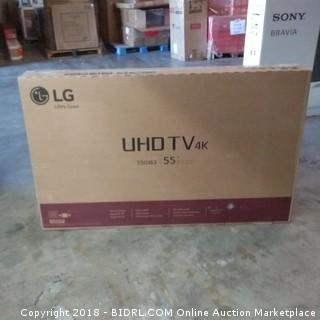 "LG UHD TV 55"" Powers On , Cracked Screen"