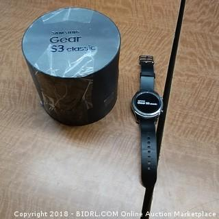 Samsung Gear S3 Classic  Powers On