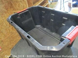 Husky 15 Gal Latch and Stack Tote