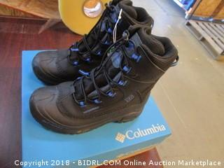 Columbia Youth Boots Size  6
