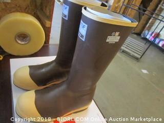 Xtratuf Boots 8