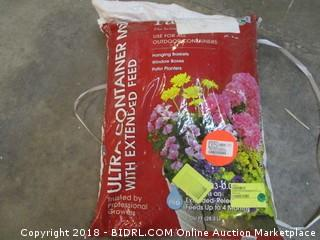 SUNGRO HORTICULTURE4000106 Ultra Container Soil Mix, 1 Cubic Feet (Retail $10.00)