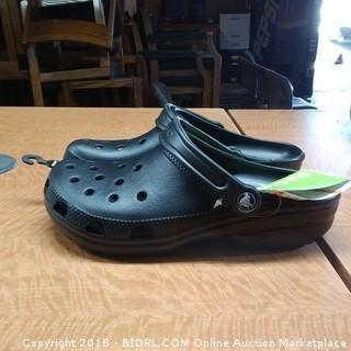 Crocs   Sizes Men 8/ Women 10
