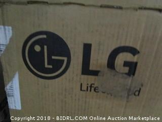 """LG UHD TV 4K  49""""  defective, Cracked Screen See Pictures"""