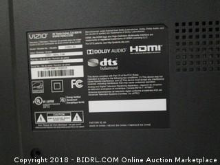 """VIZIO HDTV 32"""" Powers on See Pictures"""