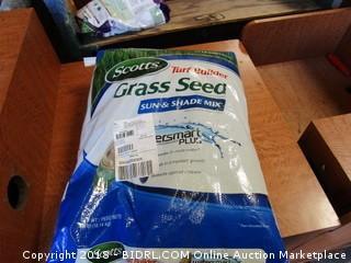 Scotts Turf Builder Grass Seed Sun & Shade Mix  40 lb